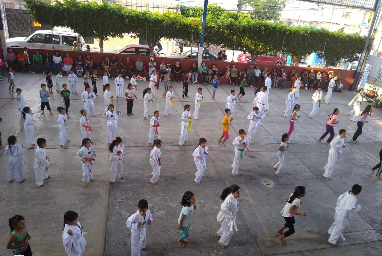 En Jiutepec imparten clases gratutitas de taekwondo para niños, jóvenes y adultos