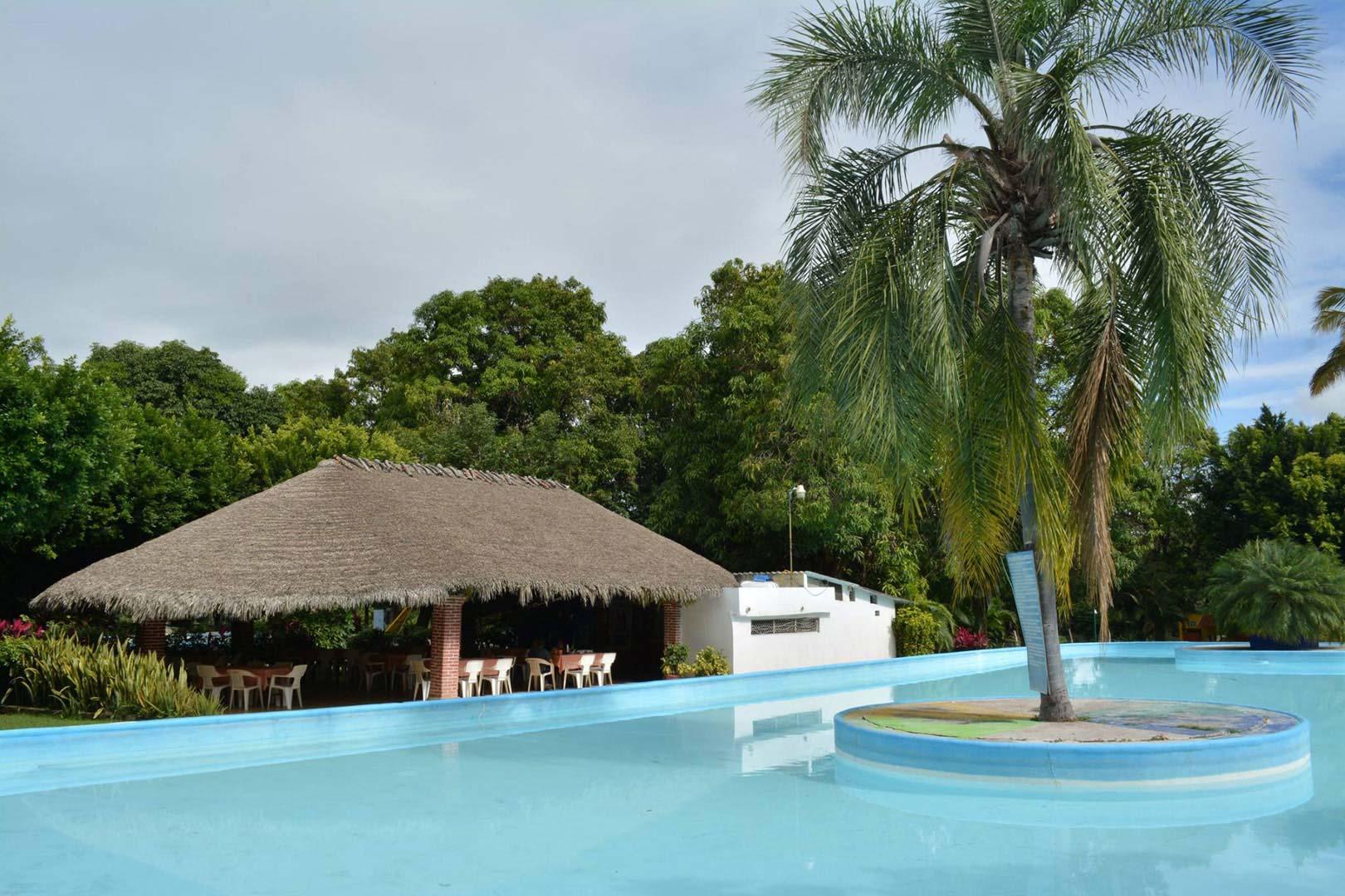Balneario Las Palmas en Tehuixtla – Morelos: Ubicación, Precios y Servicios del Parque Acuático