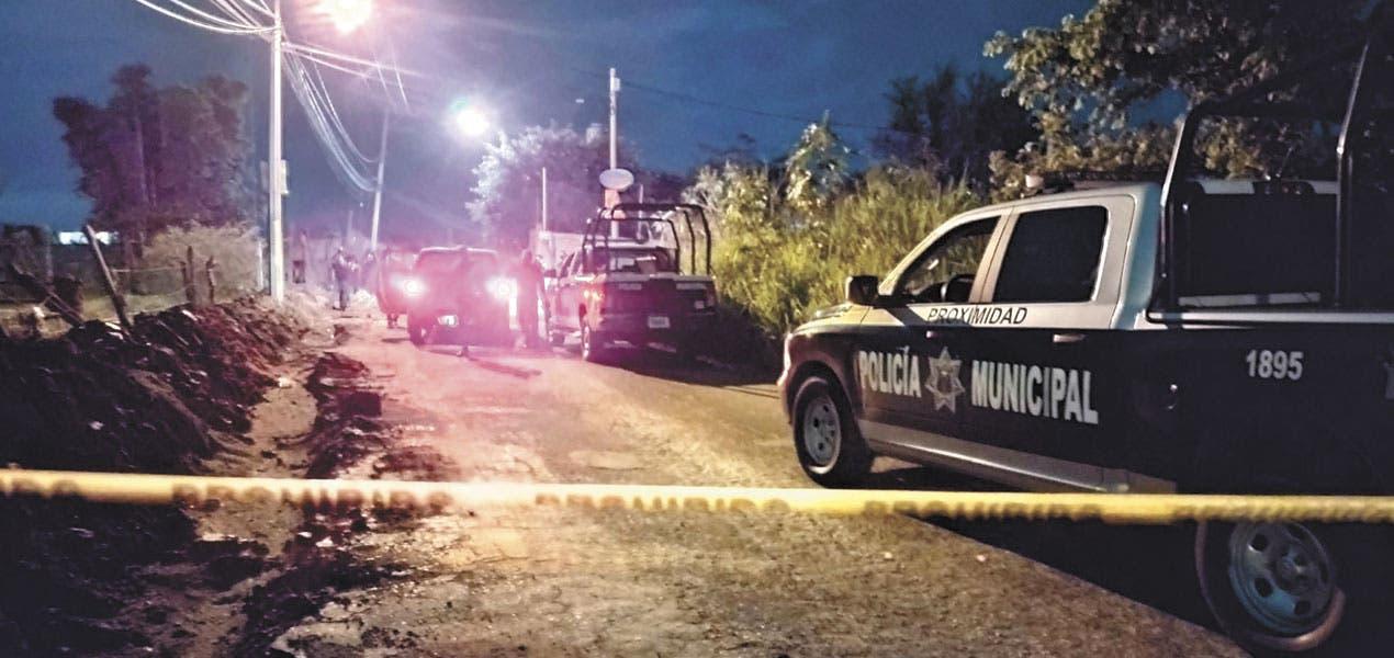 Hallan dos cadáveres semidesnudos, maniatados y con señales de tortura en Jiutepec