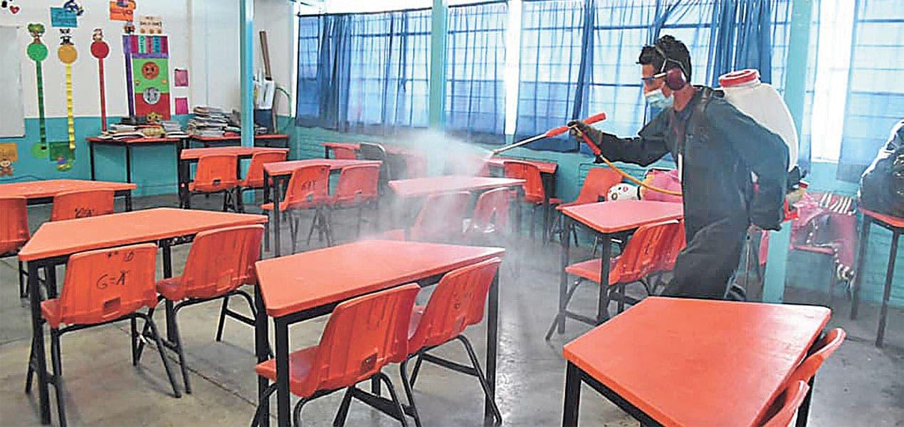 continúa desinfección de escuelas en Cuautla