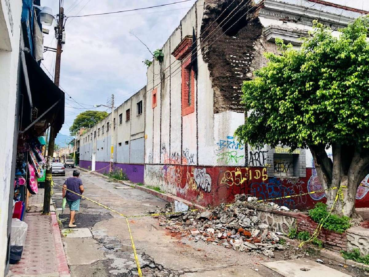 Colapsa edificio antiguo en Yautepec