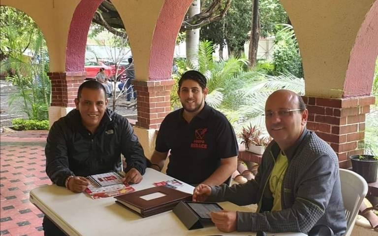 Mantienen mesa de trabajo el presidente electo de Cuautla y restauranteros para la reactivación de la economía en el municipio