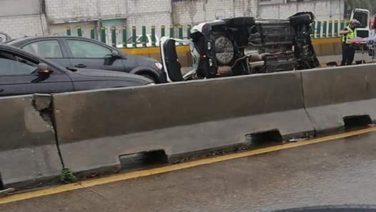 Lluvias intensas en Cuernavaca causan fuerte accidente en el Paso Express
