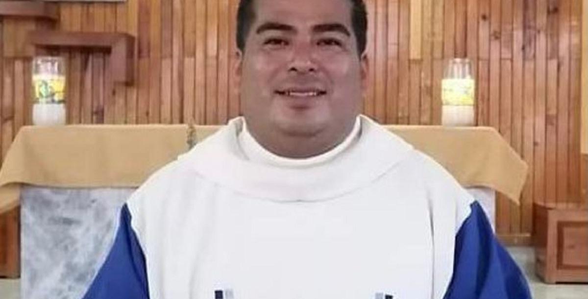 Asesinan a sacerdote de la parroquia de San Nicolás de Bari en Zacatepec. Presumen el robo como móvil del ataque