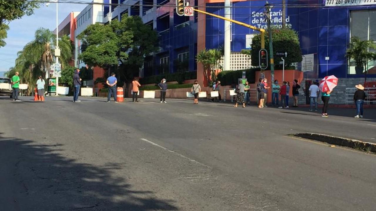 Amanece Cuernavaca con bloqueos por cuarto día consecutivo por falta de agua