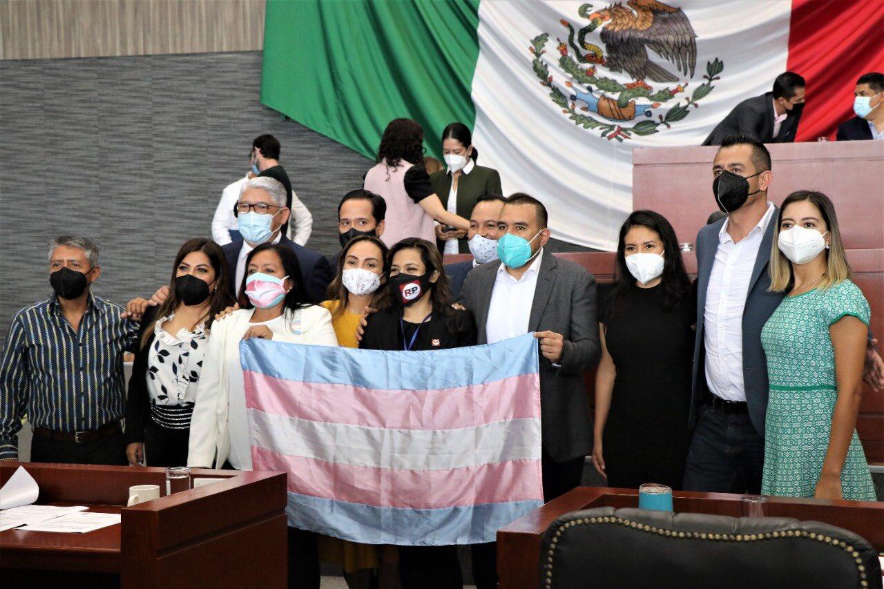 Congreso de Morelos aprueba una reforma que permite a las personas transgénero cambiar su Identidad de Género