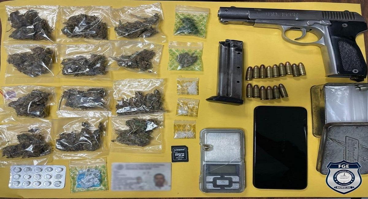 Hombre es detenido en Xochitepec portando un arma calibre 9mm y más de 30 dosis de diferentes tipos de drogas