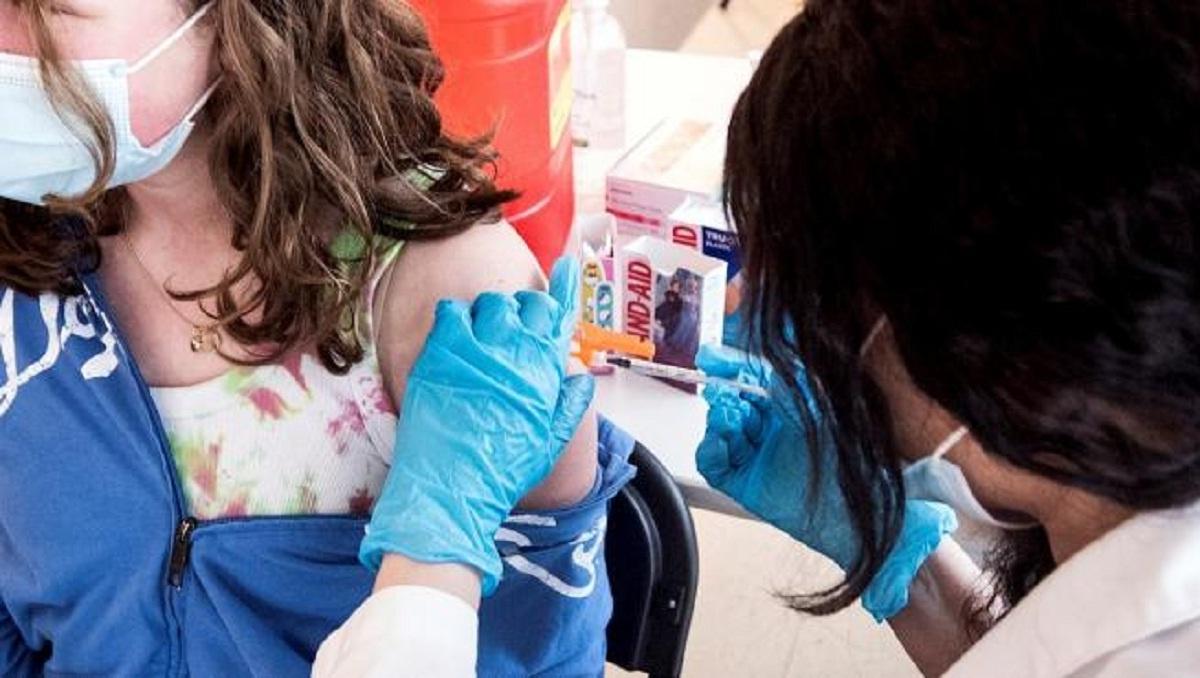 Joven de 13 años de edad gana amparo en Morelos para recibir vacuna contra Covid-19